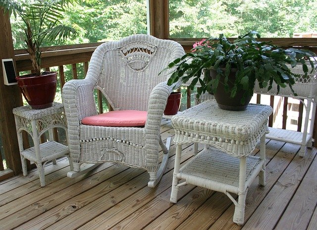 How to Prepare for Summer Patio Relaxation Near Bellevue